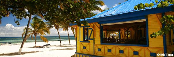 La plage à Fifi, la Désirade